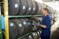 Životnost pneumatik se neřídí jejich datem výroby, ale správným skladováním a údržbou