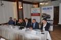 Prodeje AAA AUTO a jejich srovnání v ČR a SR