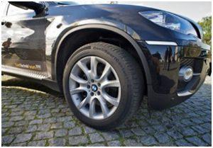 Pneumatiky Ultra-High-Performance: špičková konstrukce pro sportovní osobní vozidla a SUV