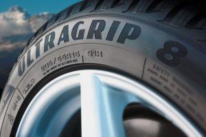 7 milionů pneumatik Goodyear UltraGrip 8
