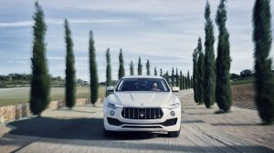 Pneumatiky Bridgestone vybrány pro první SUV značky Maserati