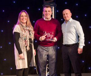 Spies Hecker vyhrává cenu British Repairers Choice Award