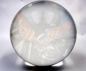 Křišťálovou kouli nebrat: Certifikovaná oprava po dopravní nehodě