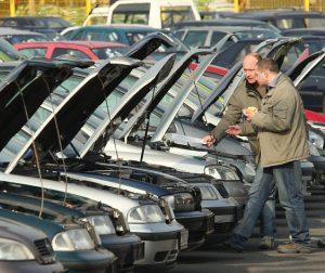 Čeští zákazníci tlačí na prodejce ojetin