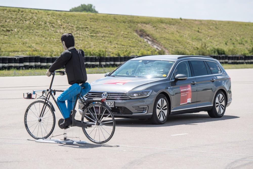 Automatické nouzové brzdění s detekcí cyklistů
