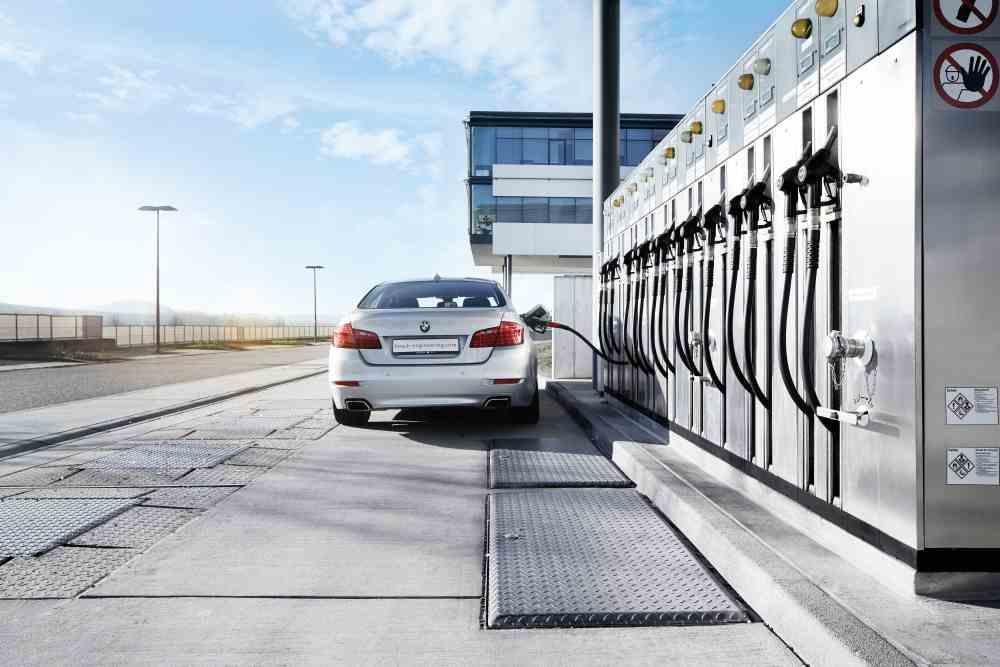 Bosch: Uhlíkově neutrální automobily: syntetická paliva přeměňují CO2 na surovinu