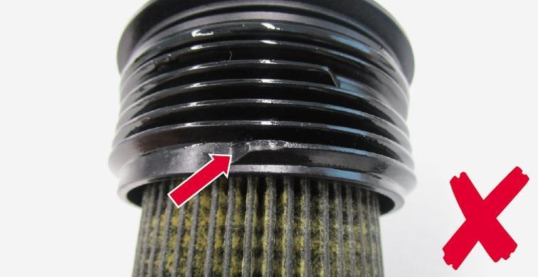 Poškozený závit víčka vložky olejového filtru
