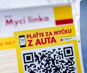 V Praze je první myčka na světě, kde zaplatíte mobilem
