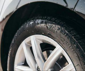 Bridgestone uvádí na trh pneumatiku Turanza T005