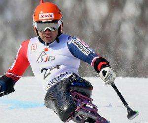 Alpské lyžování s KYB tlumiči pérování