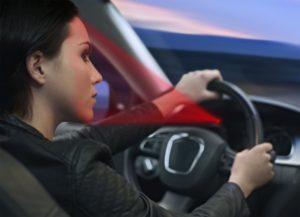 Kamera zachytí stav řidiče (ospalost, rozptýlení) a předá tyto informace do systému