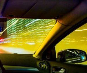 Nákup vozu přes internet, 3D virtuální jízdy a elektromobily. Tak vidí budoucnost čeští řidiči.