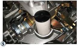 Instalace nového filtru do systémumazání převodovky 02E