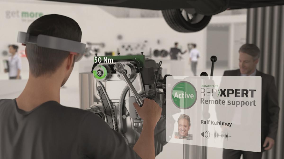 Na stánku Schaeffler se mohou návštěvníci hlouběji ponořit do vzrušujícího světa oprav vozidel s využitím smíšené reality