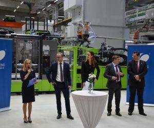 Nová hala na výrobu inteligentních světlometů VARROC v Rychvaldě