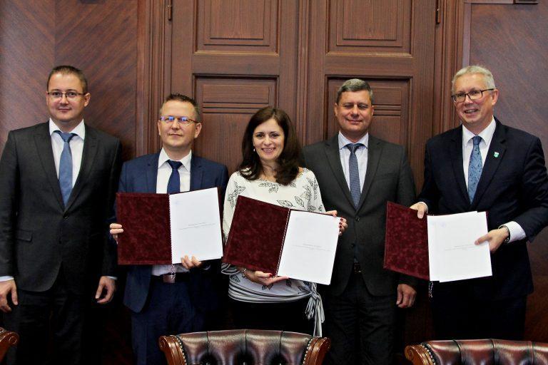 Valeo podepsalo Memorandum o spolupráci se Středočeským krajem a městem Milovice