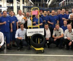 Zaměstnanci společnosti Continental Barum vyrobili 400miliontou osobní pneumatiku