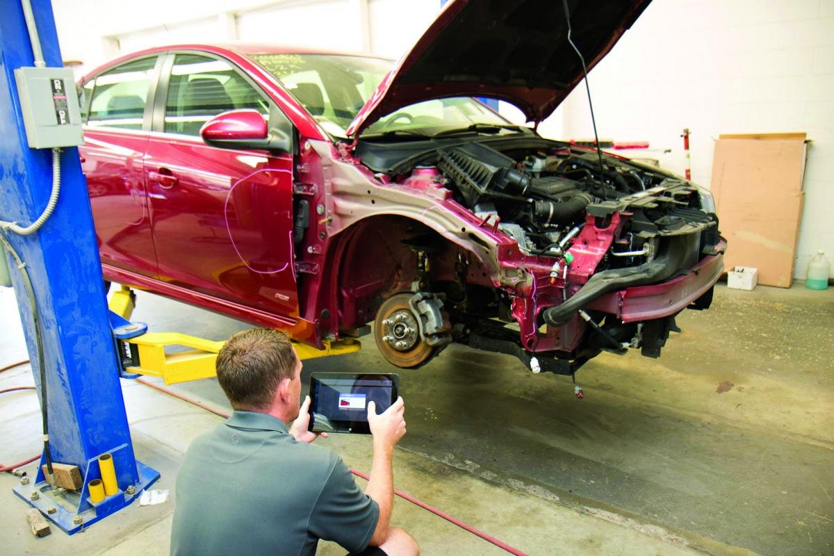 Oprava havarovaného automobilu