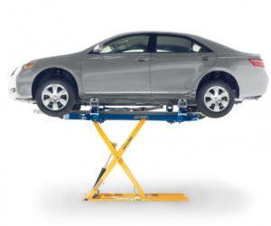 Vybavení karosárny pro urychlení práce – menší rovnací stolice