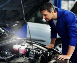 Efektivní pracovní osvětlení pro automechaniky