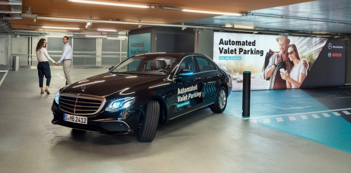 Bosch a Daimler získaly povolení na parkování bez řidiče a bez lidského dohledu