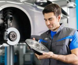 Nových automechaniků je stále méně