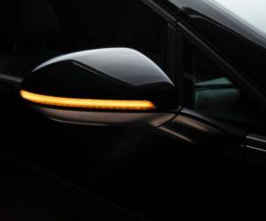 Dynamická směrová světla Osram LEDriving integrovaná do vnějších zpětných zrcátek