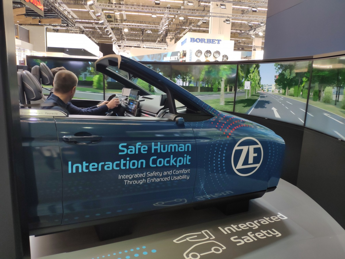 Safe Human Interaction Cockpit od ZF