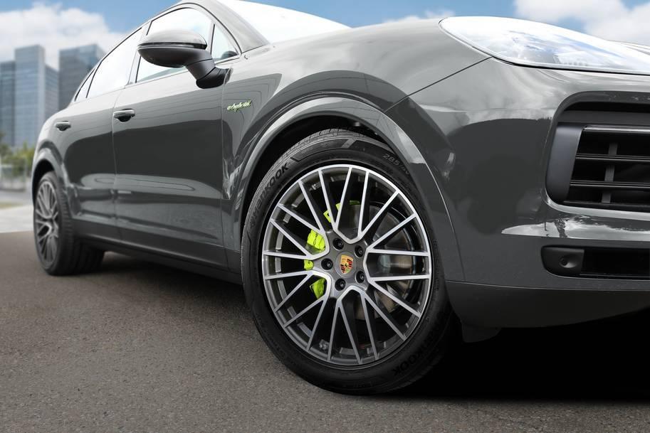 Hanook dodává vysoce výkonné pneumatiky pro Porsche Cayenne