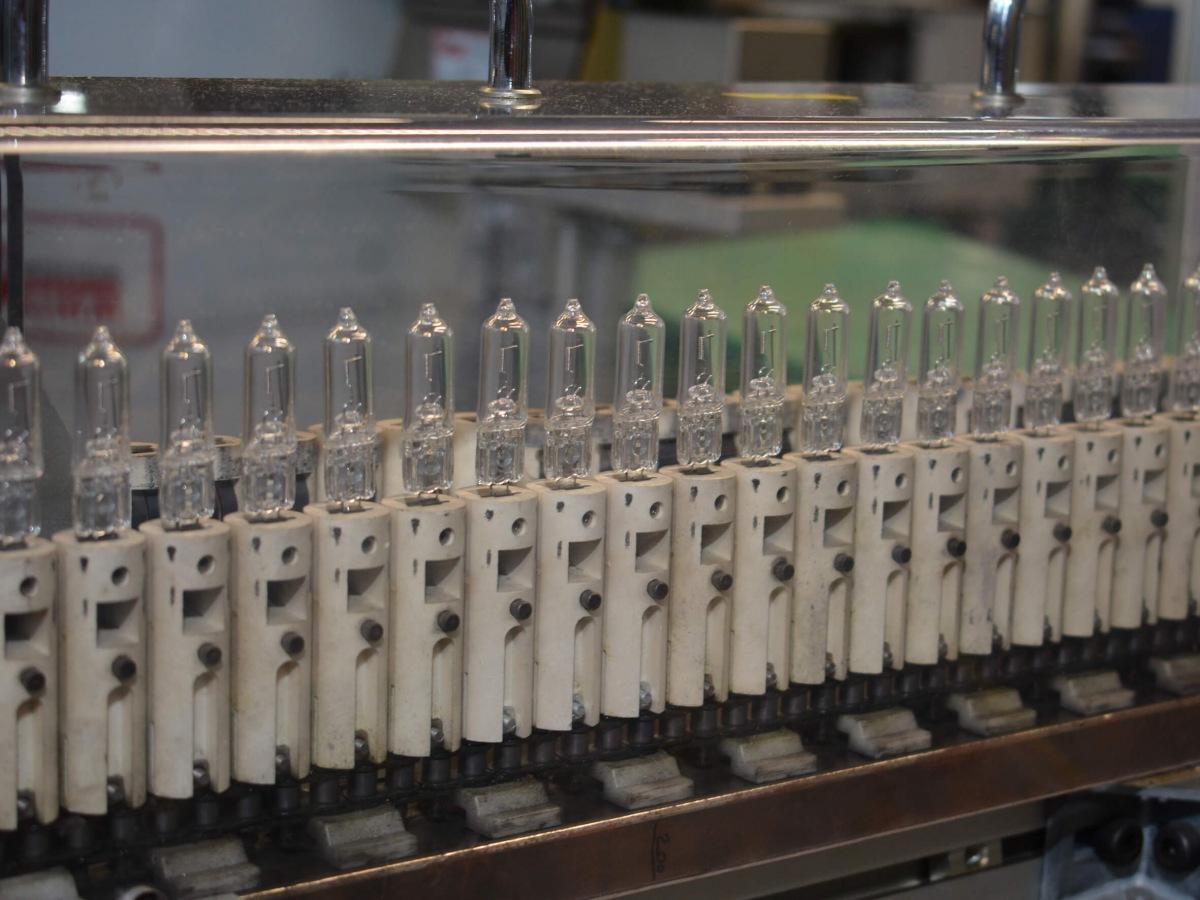Výroba žárovek Philips 4