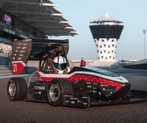 Formule studentů ČVUT se předvedly na okruhu F1 v Abú Zabí