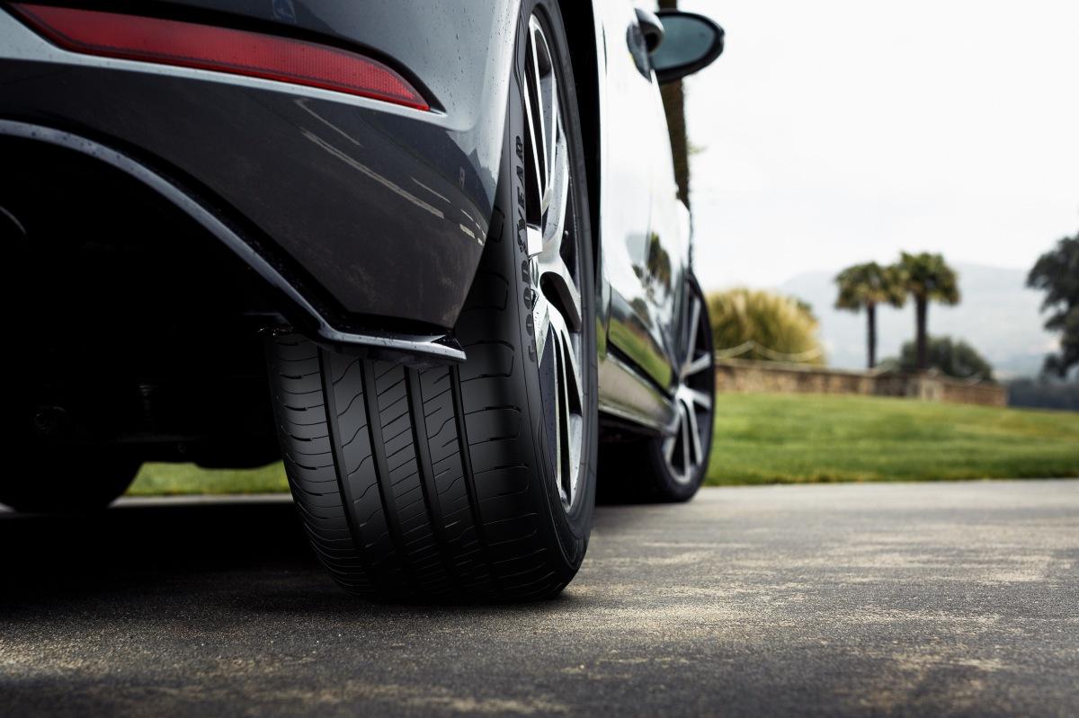 Goodyear pneumatiky EfficientGrip Performance 2