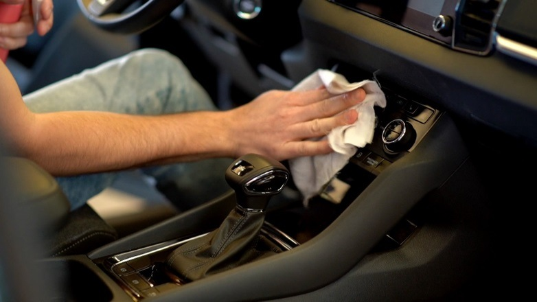 Dezinfekce interiéru vozidla