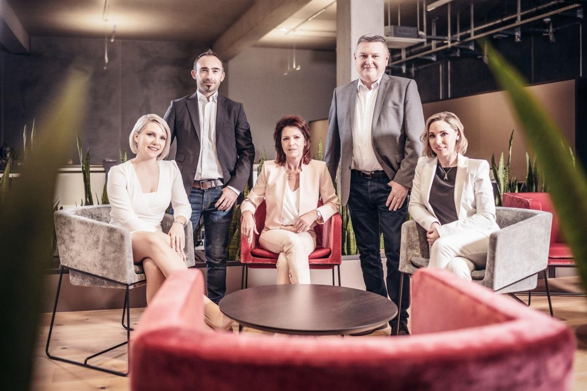 Management ATH - rodina Heinlova