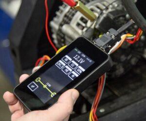 Problémy s alternátorem pomůže vyřešit špičkový tester regulátorů napětí 12/24 V